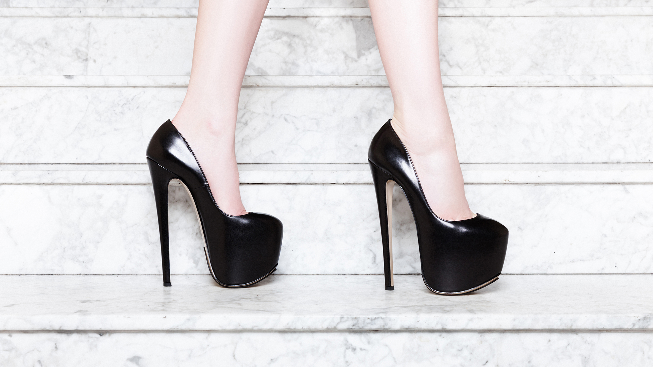 Bernd Serafin Thaler - Campaign - Shoes - Frieda 180
